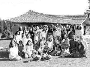 The members of the original Ananda community — all of them! — in 1969. Click to enlarge.
